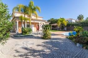 Algarve                 Moradia                  para venda                  Vale de Lobo,                  Loulé