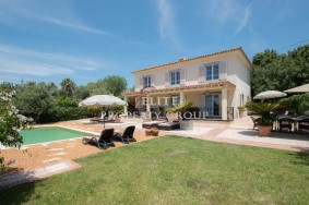 Algarve                 别墅                  转让                  Vale Formoso,                  Loulé
