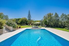 Algarve                 Chalet                  en venta                  Near Vale do Lobo,                  Loulé