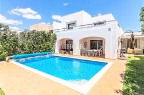 Algarve                 Townhouse                  for sale                  Quarteira,                  Loulé