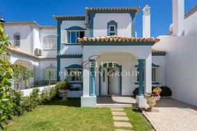 Algarve                 تاون هاوس                  للبيع                  The Village,                  Loulé