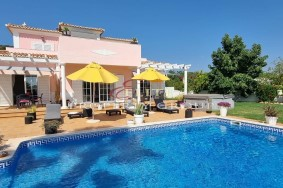 Algarve                 huvila                  myytävänä                  Near Almancil,                  Loulé