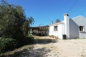 Algarve                 Farmhouse                 for sale                 Mexilhoeira Grande,                 Portimão