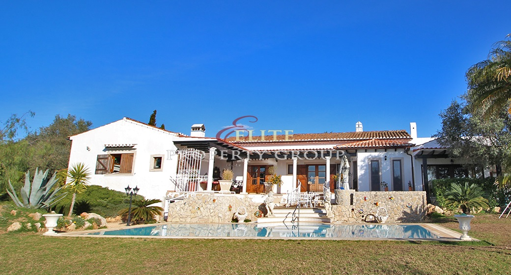 Outstanding Farm in Alvor
