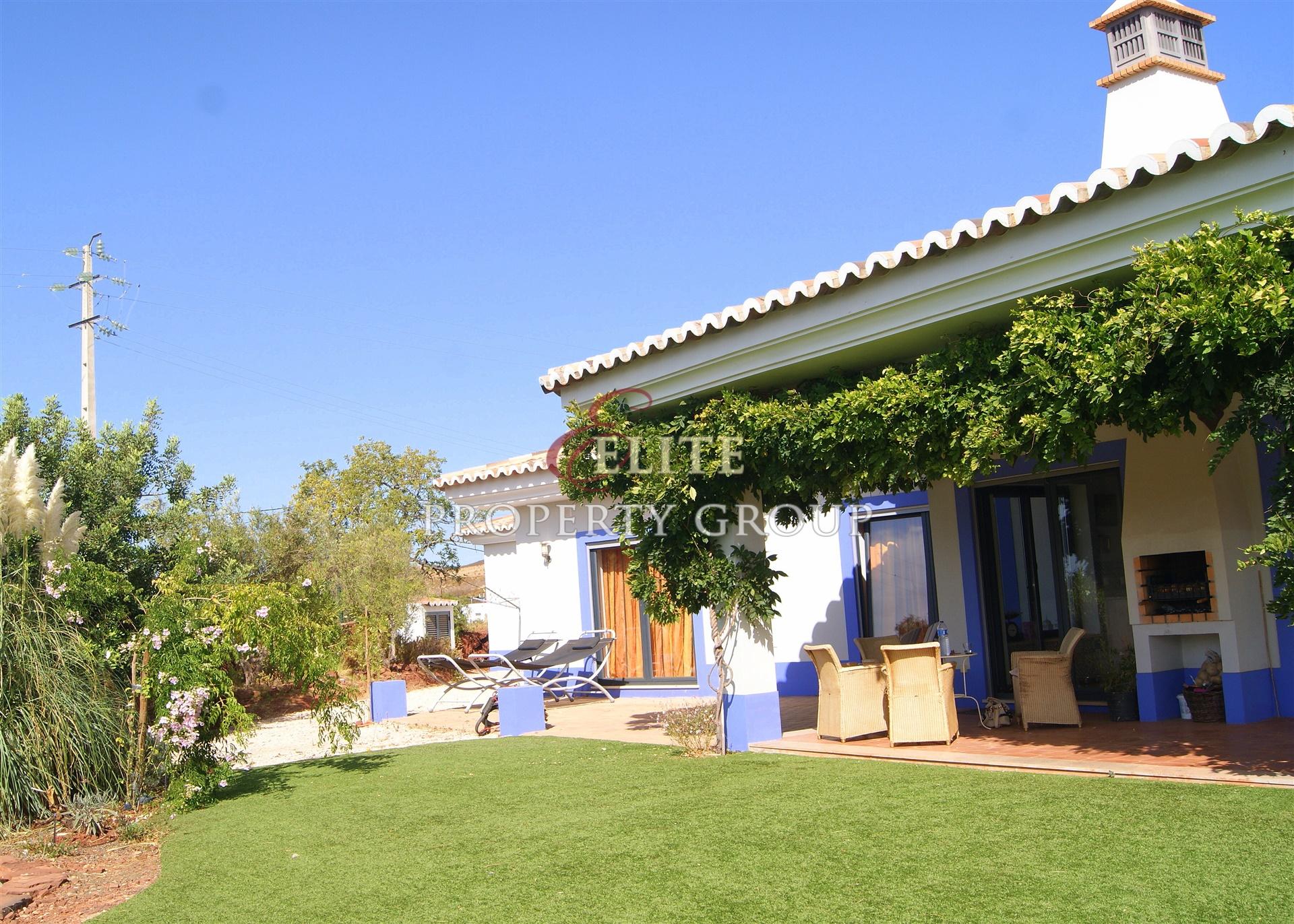 Turn key, organic licensed vineyard for sale in the Algarve